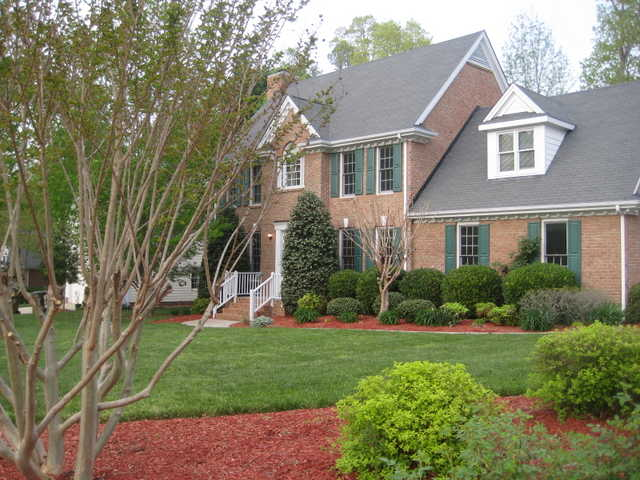 All Brick, Glenridge Subdivision On .31 Acre, Cul - De - Sac