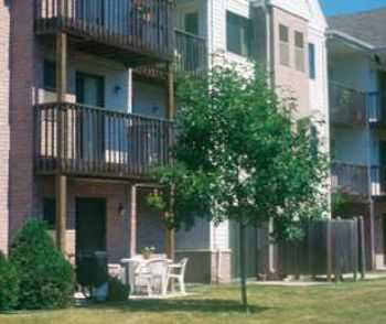 Eden Prairie, Mn Apts W Open Kitchen Garage!