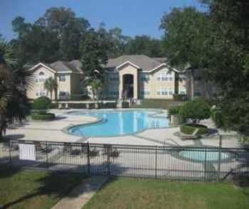 Huge 4 Bed 2 Bath Floorplan, Low Rates!