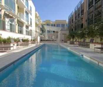 Phoenix Apts Near Worldclass Shopping And Dining!