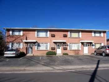 Nice 2 Bedroom, 1 Bath Unit In 4plex! Onsite Coi