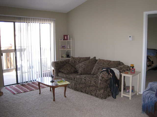 Cute 1 Bdrm / 750 Sq Ft Apartment Only $630 Month