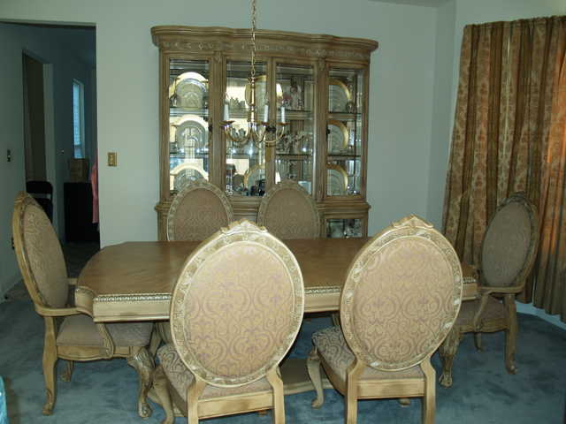 Moving Sale Dining Room Set