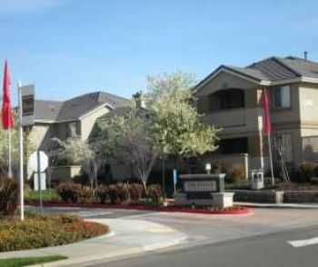 Folsom, Ca Apts W Covered Parking And Pool!