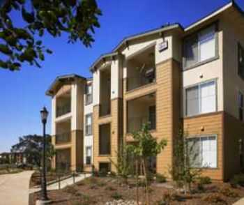 Pets Welcome! 3 Bed Apartment In Santa Rosa