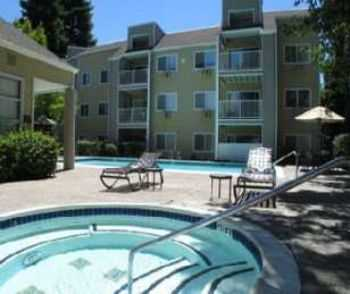 2 Bed 2 Bath In Hayward W Great School District!