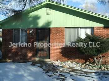 Large, Ranch Style Duplex W Garage, Yard, Much