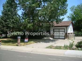 Beautiful Ranch House With Finished Basement Man