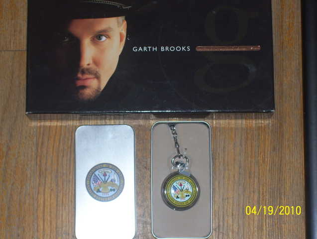 Garthbrooks Cd Set And Mens Us Army Pocketwatch (Avon)