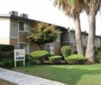 Fresno 2 Bed W Easy Freeway Access, Parking