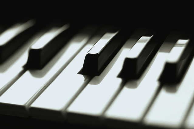 Offering Piano Lessons