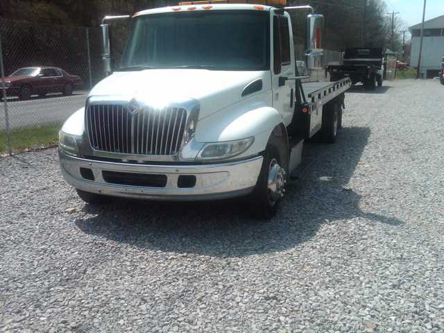 2005 International Roll Back 4300