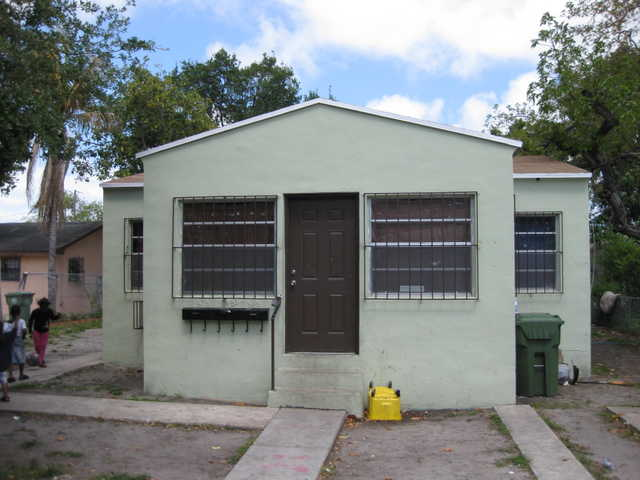 $143,000 4br - 3 Units $23k + Cash Flow