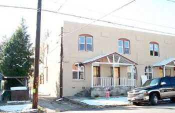 Beautiful Urban Townhome W Private Fenced Yard