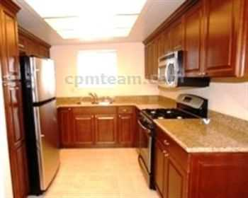 One Bedroom With Upstairs Washer And Dryer