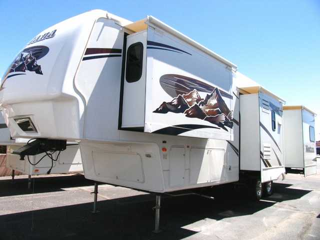 2007 Montana 3400rl - 37 Ft 5th Wheel With 4 Slides