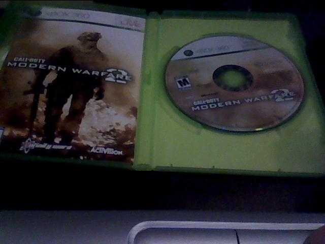 Call Of Duty Modern Warfare 2 With Headset And Free Game!