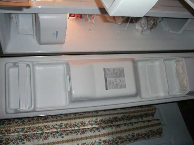 Lg Refrigerator / Freezer Side By Side