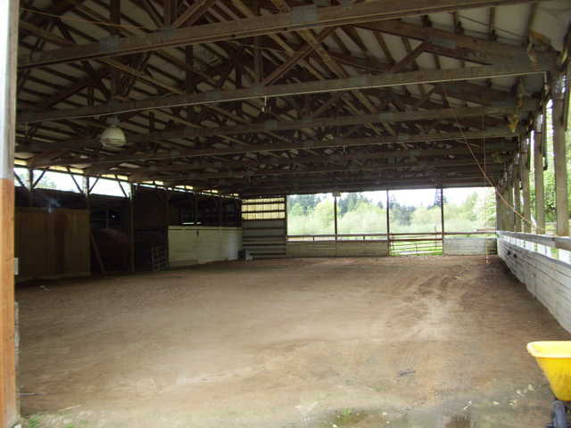 May Valley Stables - Horse Boarding Ranch