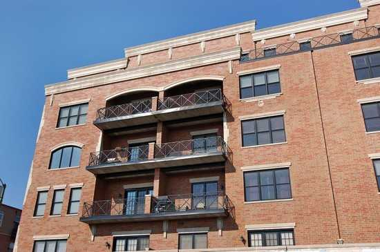 Great Price For Roscoe Village Condo
