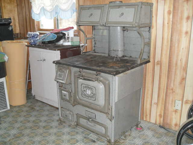 Home Comfort Kitchen Wood / Cook Stove