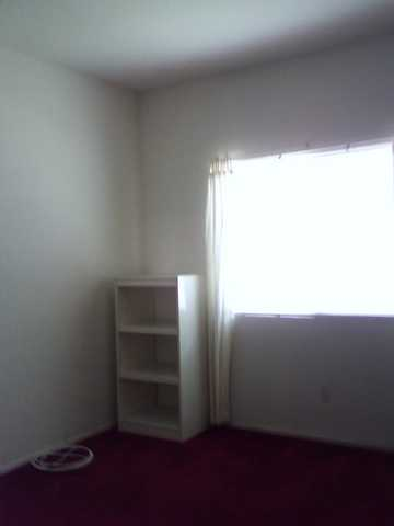 Clean Room For Rent