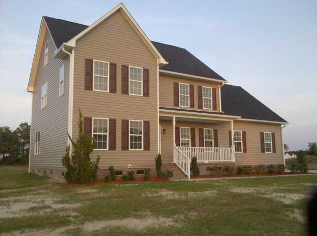 2 & 1 / 2 Story Home In Raeford Nc $239,000