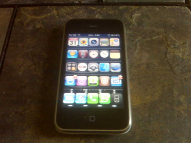 Apple Iphone 3gs 16 Gig Jailbroken