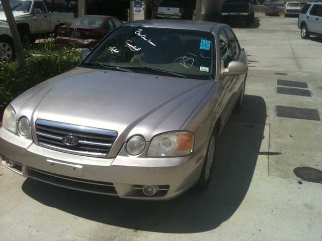 2004 Kia Optima Manual (Financing Available