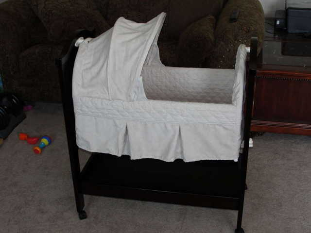 Eddie Bauer Covington (Wood) Bassinet