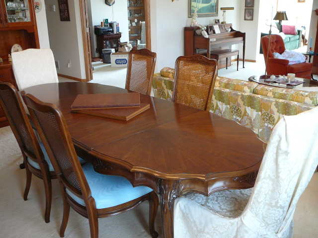 Fabulous Formal Dining Room Tables 640 x 480 · 36 kB · jpeg