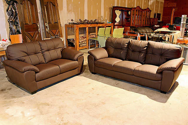 Medium Chocolate Sofa And Loveseat - New