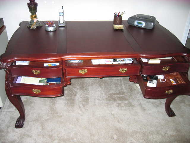 Gorgeous Solid Mahogany Executive Office Desk