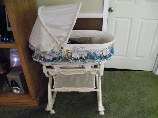 Adorable Graco Noah s Ark Bassinet. Adorable Graco Noah s Ark Bassinet   Used  25  Sulphur  Ok