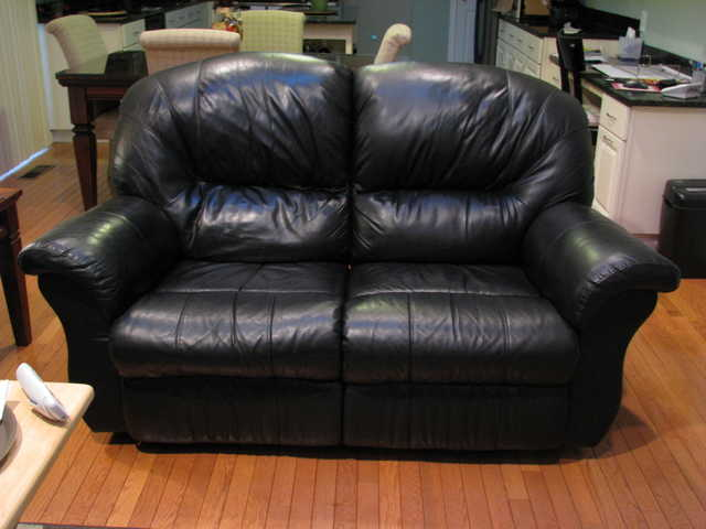 Loveseat - Recliner Black Leather
