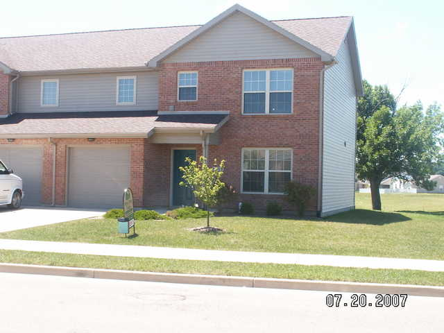 3 Bedroom Towmhome West Troy 1500 Square Feet With Washer / Dryer