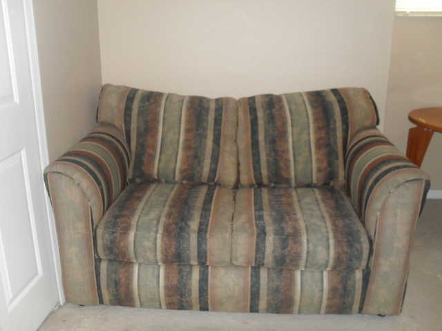 Very Nice And Clean Love Seat! All From A Smoke - Free Home!