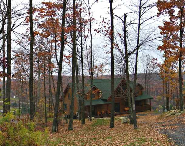 Railey Realty And Carol Wills, Awesome Log Home At Deep Creek Lak