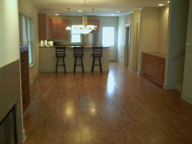 3+ Bedroom Townhome - 3 Stories - Beautiful