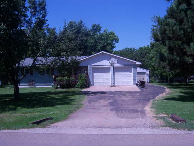 Ranch Style 3bedroom 2bath 2car And 1 Shop