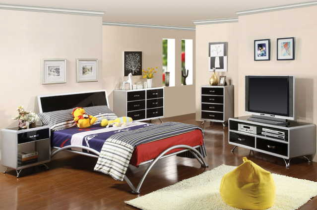 Otis Collection 4 Pc Bedroom Set - 10% Off Sale!