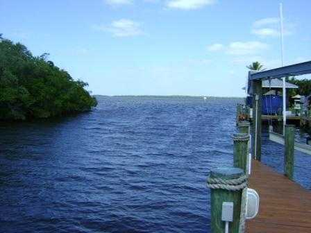 Great Opportunity - Stilt Home On Deep Water Canal