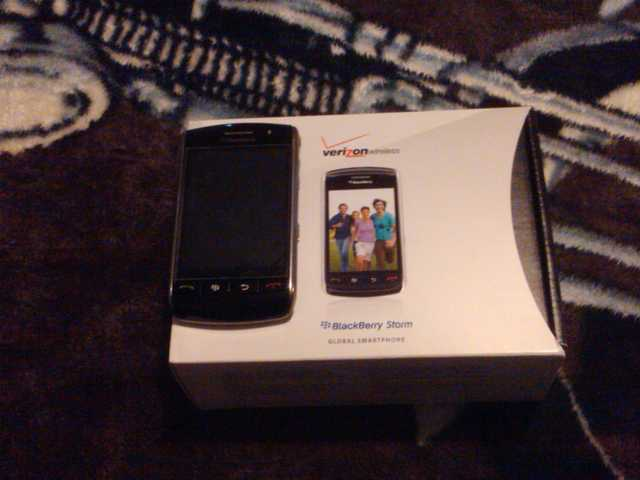 Verizon Blackberry Storm 9530 Cell Phone