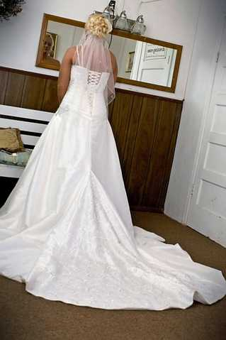 Essence Of Australia Wedding Dress Size 8 - 12