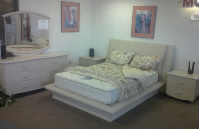 Used Contemporary Italian Bedroom Set