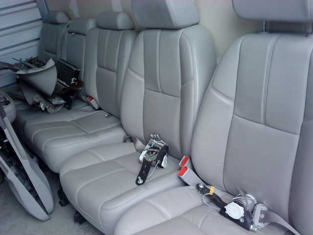 08 Chevy Avalanche Leather Seats