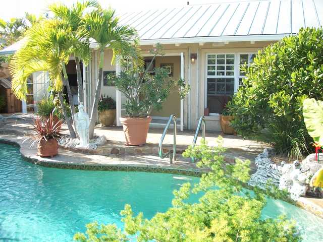 Beautiful Home On Canal In Key West And Huge Pool!