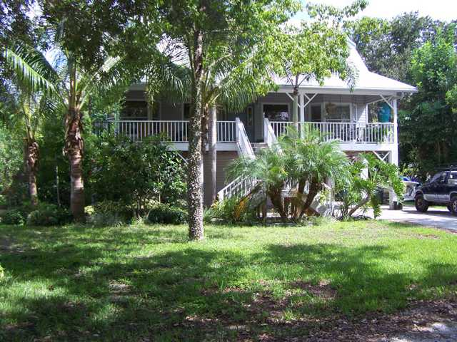 Key West Style Home In Tranquil Old Palmetto