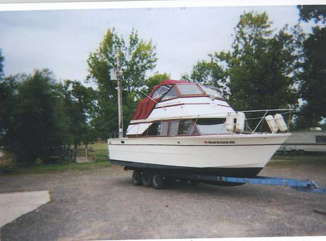 28 Ft. Carver Mariner Large Fly Bridge $5,900 Obo