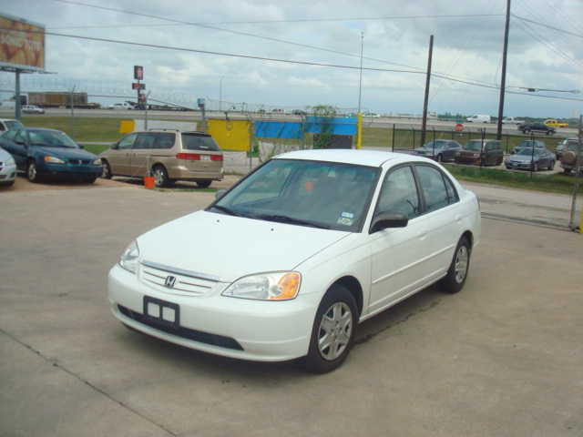 Low Mileage - Honda Civic 03 Lx - $5900 (I 35 - Grand Ave